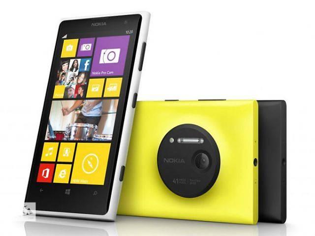 бу Nokia 920,экран 4,5 дюйма,Wi-Fi,яркие цвета. в Днепре (Днепропетровске)
