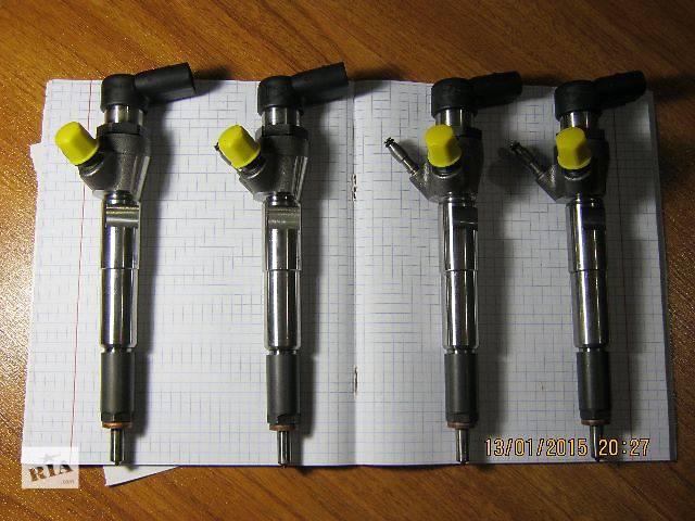 купить бу Нова форсунка siemens 1.5 DCI H8201100113 - 166006212R Renault-Nissan Dacia в Луцке