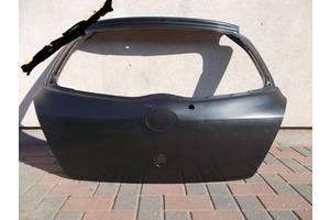 Новые Крышки багажника Toyota Yaris
