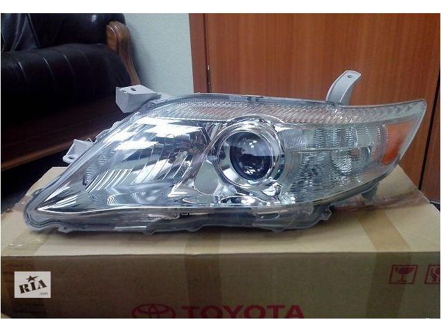 купить бу Новая оригинальная левая фара для седана Toyota Camry 40 в Харькове