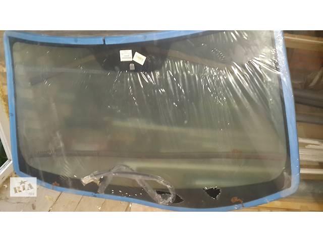 бу Новое стекло лобовое/ветровое для кроссовера Mitsubishi Outlander XL в Киеве