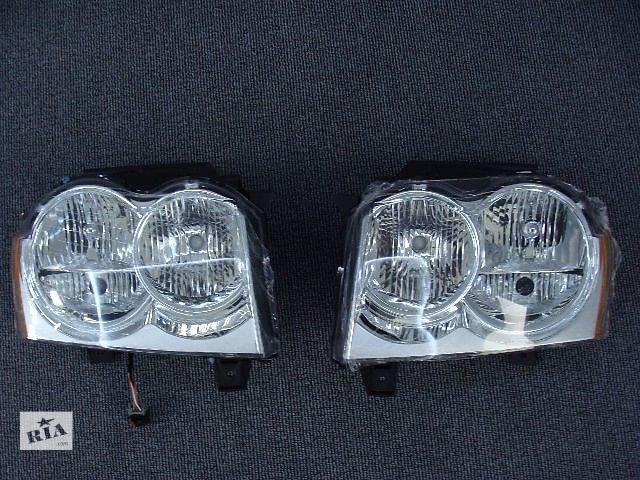 купить бу Новая фара 55156351AK , 55156350AK (правая,левая) для авто Jeep Grand Cherokee 2005-2007 в Киеве