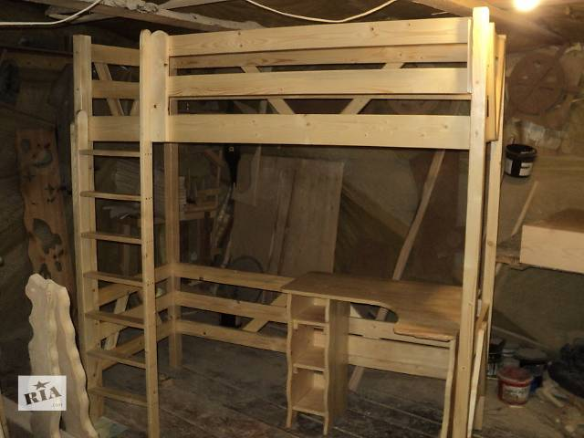 продам новинка кровать чердак в стиле минимализма +стол парта бу в Киеве
