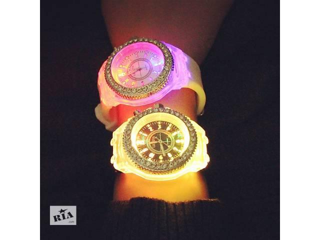 продам Новинка!!!Женские часы Geneva Led бу в Днепре (Днепропетровске)