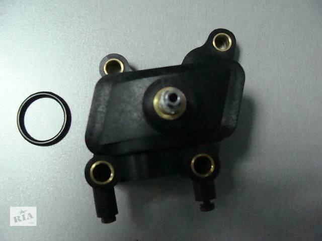 купить бу Новый корпус штуцера прокачки охлаждения  на 2,7 для легкового авто Chrysler 300 С 2005-2010 в Киеве