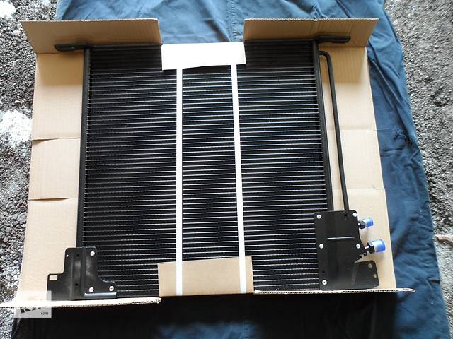 бу Новый радиатор кондиционера для минивена Mercedes Vito в Приморске
