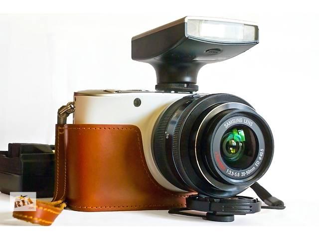 продам Новый стильный беззеркальный Samsung NX100; kit 20-50mm бу в Одессе