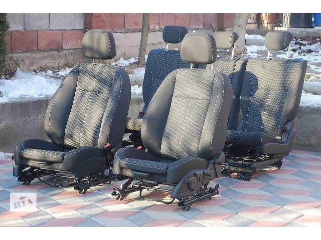 купить бу Новый комплект сидений легковой Opel Vivaro 2014 в Ровно