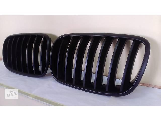купить бу Ноздри решетка радиатора BMW X5 E70 X6 E71 черный мат GRBM33 в Луцке