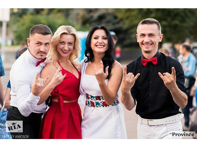 бу Музыкальное Сопровождение на праздник  в Україні