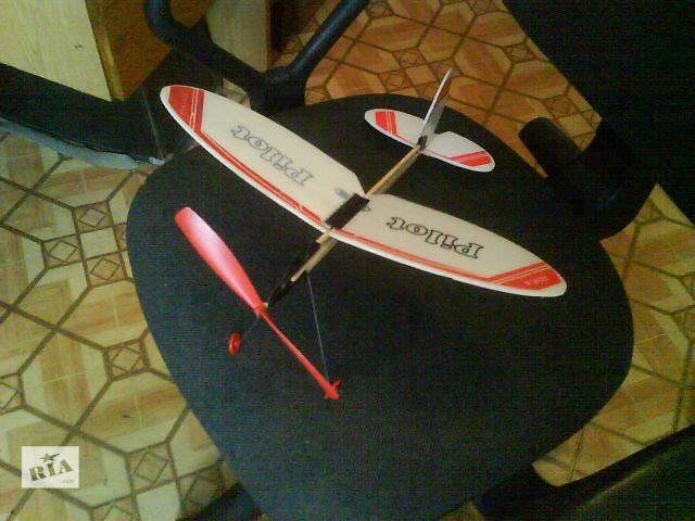 бу Оригинальный подарок - летающий самолет. в Одессе