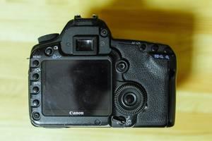 б/в Зеркальные фотоаппараты Canon EOS 5D Mark II
