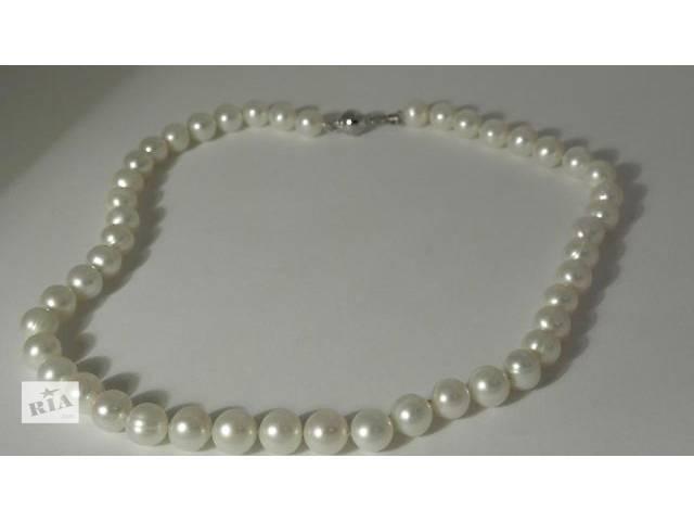 продам Ожерелье из натурального белого пресноводного(речного) крупного жемчуга. Новый бу в Киеве