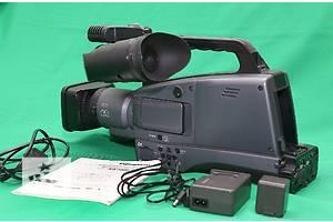 б/у Профессиональные видеокамеры Panasonic AG-HMC74ER