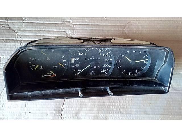 купить бу панель приборов для Mercedes 190 1988-92 87001131 в Львове
