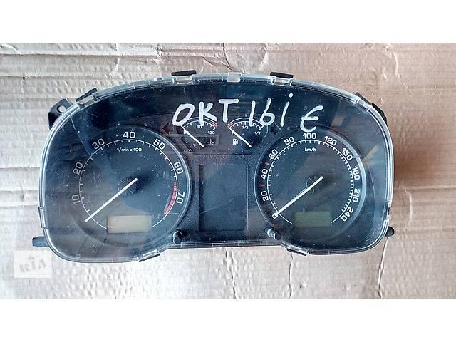 купить бу панель приборов для Skoda Octavia 1.6i 1U0920811B в Львове