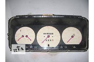 б/у Панель приборов/спидометр/тахограф/топограф Volkswagen B3