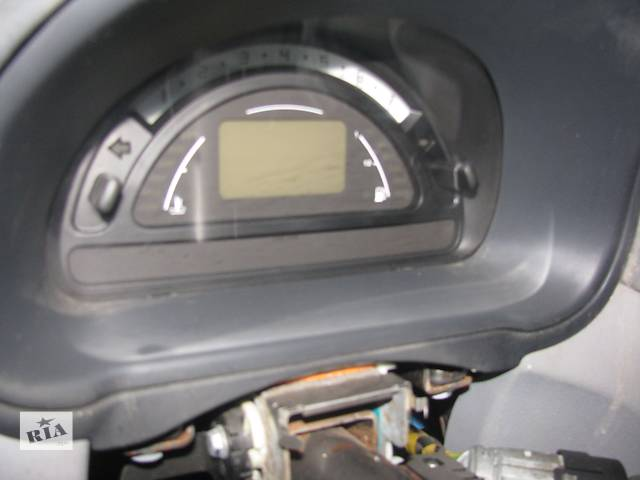 купить бу  Панель приборов/спидометр/тахограф/топограф для легкового авто Citroen C3 в Днепре (Днепропетровск)