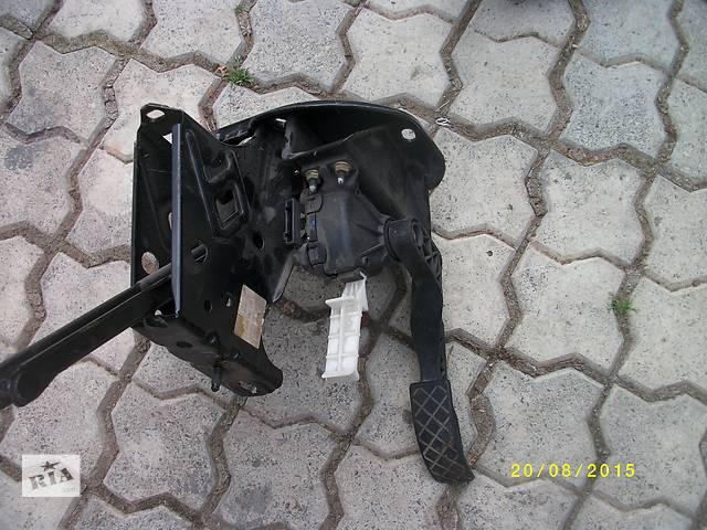 бу  Педаль газа для легкового авто Skoda Octavia A5 в Ужгороде