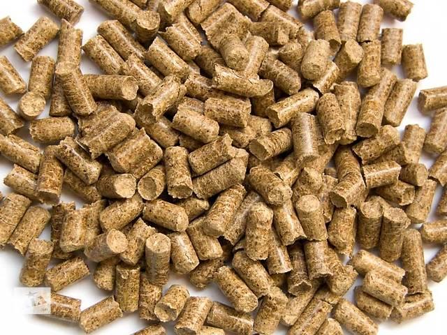 купить бу Пеллеты древесные сосна 8 мм (зольность до 1 %) в Черкассах