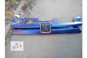 б/у Молдинги решетки радиатора Peugeot 306