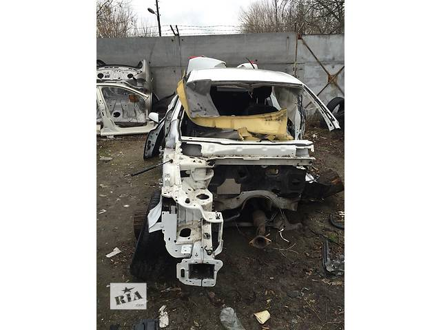 передняя правай четверть Renault Latitude- объявление о продаже  в Киеве