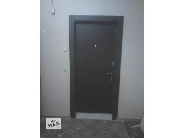 Перетяжка дверей кожзаменителем ,врезка замка - объявление о продаже  в Киеве