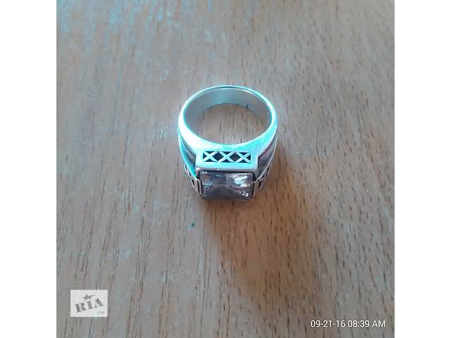 бу перстень с камнем серебро продам в Киеве