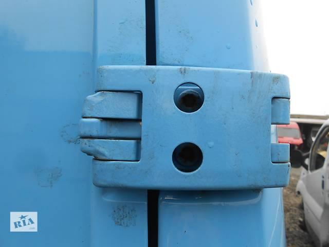 купить бу Петля двері, Завіси 270 градусів Mercedes Sprinter 906, 903 (215, 313, 315, 415, 218, 318, 418, 518) в Ровно