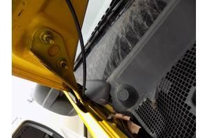 б/у Петли капота Renault Master груз.