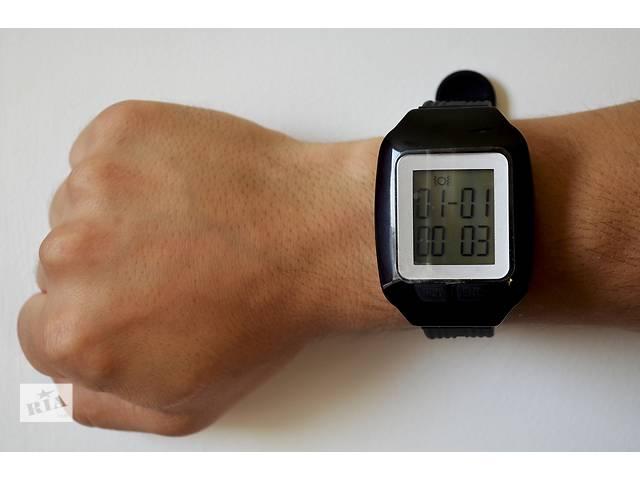 купить бу Пейджер-часы, наручный пейджер, браслет вызова персонала HCM7000  в Киеве