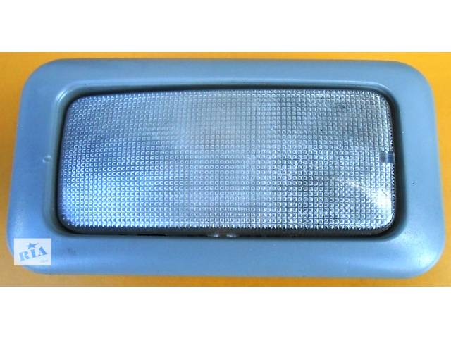 купить бу Плафон, фонарь в салон 8200425660 Renault Trafic Рено Трафик Opel Vivaro Опель Виваро Nissan Primastar в Ровно