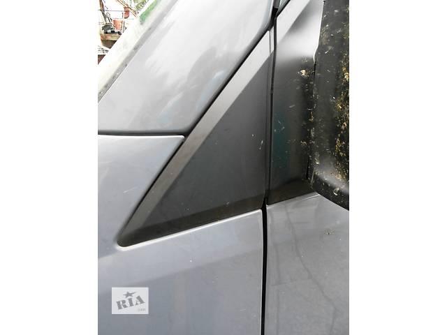 бу  Пластмасовый треугольник, трикутник на кузов Mercedes Sprinter 906, 903 Мерседес Спринтер Спринтер 215, 313, 315, 415 в Ровно