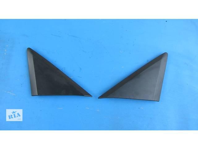продам Пластмасовый треугольник, трикутник на кузов Mercedes Sprinter 906, 903 Мерседес Спринтер Спринтер 215, 313, 315, 415 бу в Ровно