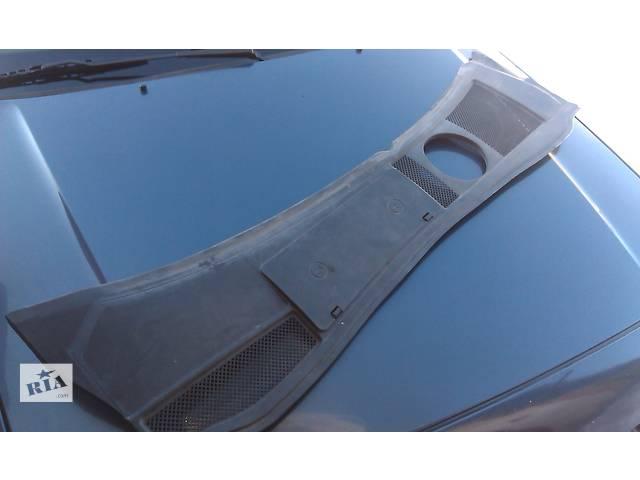 бу  Пластик под лобовое стекло для легкового авто Audi A6 в Костополе