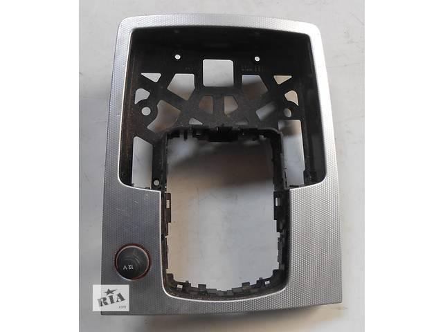купить бу Пластиковая панель кулисы Audi Q7 Ауди Кю 7 в Ровно