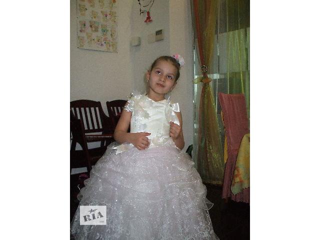 бу Платье на девочку. в Виннице