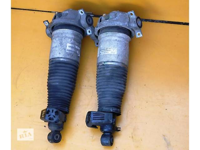 купить бу Пневмо стойки,амортизаторы, задние 7L6512022D;7L6512021AG Volkswagen Touareg 2003-2009г в Ровно