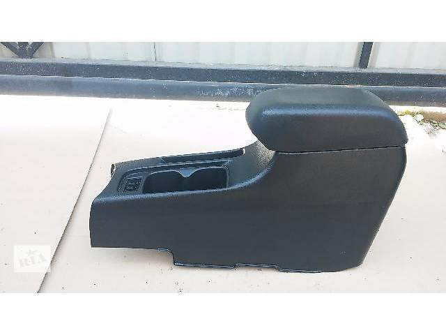 купить бу Подлокотник для легкового авто Mitsubishi Lancer 9 в Тернополе