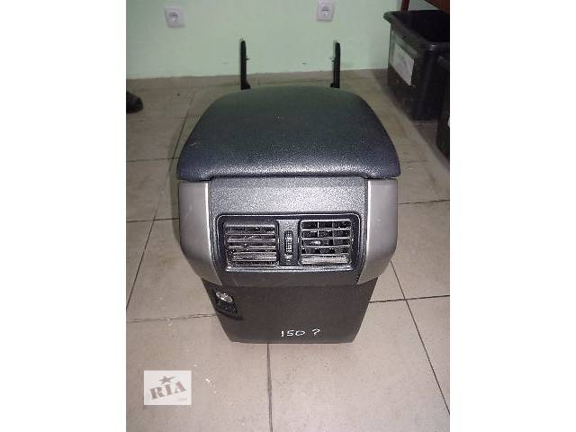 продам Подлокотник для Toyota Prado 150 2013 бу в Львове