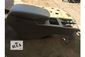 б/в бардачки Toyota Camry