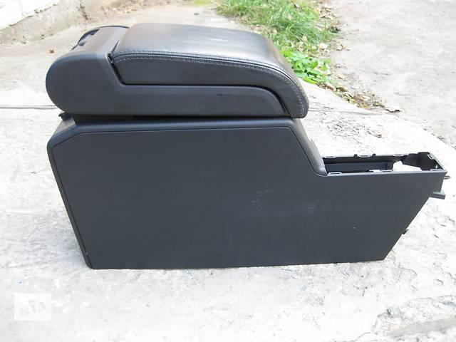 купить бу Подлокотник  центральная консоль  Opel Vectra C Вектра С в Львове