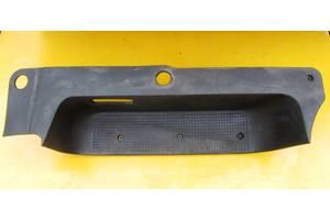 б/у Подножки Opel Vivaro груз.