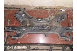 Subframe the front suspension  Toyota Auris