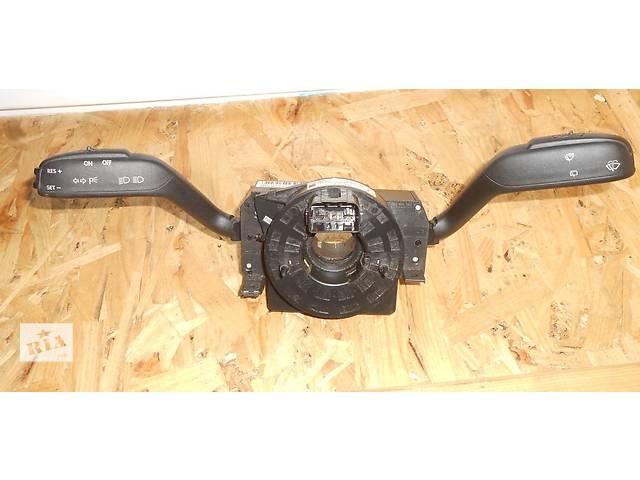 купить бу  Подрулевой переключатель с круиз контролем 7H0953513B Volkswagen ,T5 2003-2010 г.в. в Ровно