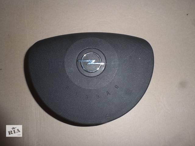 купить бу Подушка безопасности Air bag Опель Комбо Opel Combo 1.3 CDTI 2001-2011 в Ровно