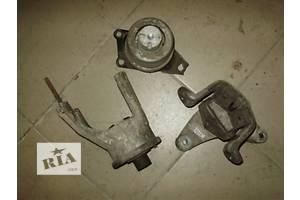 б/у Подушки мотора Volkswagen T5 (Transporter)