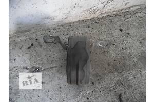 б/у Подушка глушителя Skoda SuperB