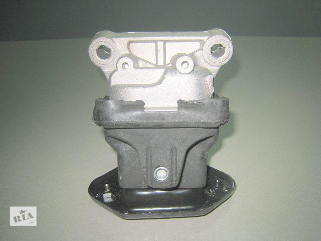 продам Подушка мотора 2.7 / 3.5 л на Chrysler 300C / 300 C ( Крайслер 300С / 300 С ) 2005 - 2010 года выпуска бу в Киеве