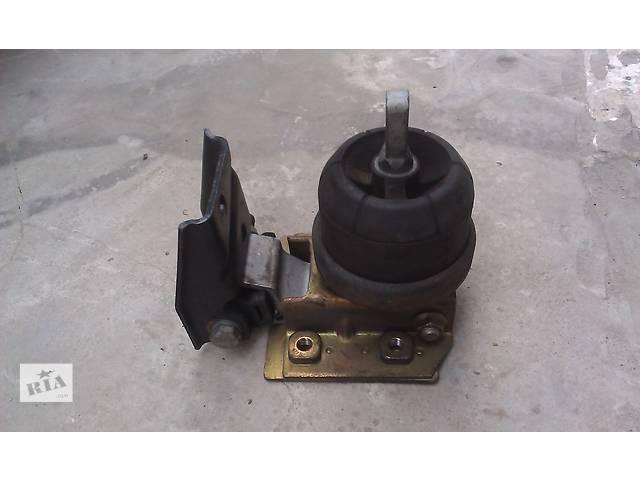 бу  Подушка мотора для минивена Volkswagen Sharan в Ровно